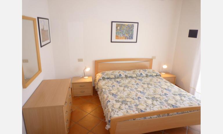 residence SAN MARCO: C4 - letto matrimoniale (esempio)