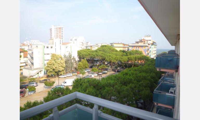 appartamenti LARA: C4 - balcone con vista (esempio)