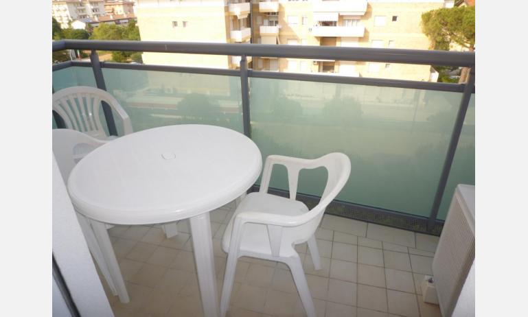 appartamenti LARA: C4 - balcone (esempio)