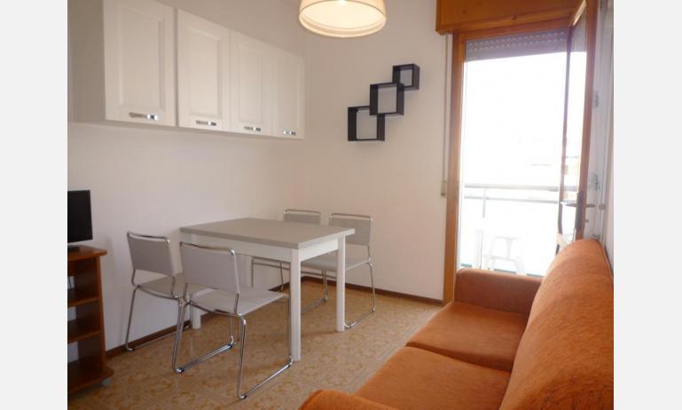 appartamenti LARA: C4 - soggiorno (esempio)