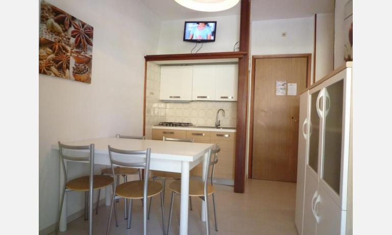 appartamenti LARA: C4 - angolo cottura (esempio)