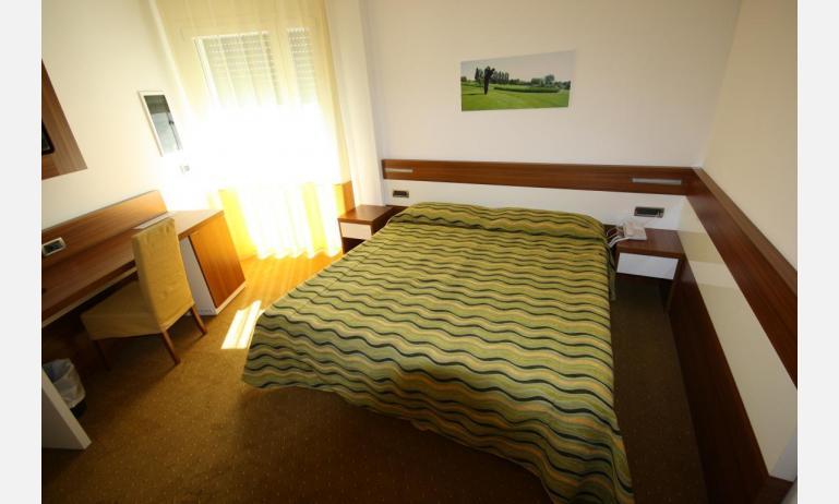 hotel MAREGOLF: Convenience - camera (esempio)