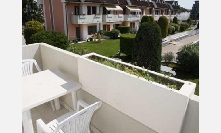 residence EQUILIO: B4/5 - balcone (esempio)
