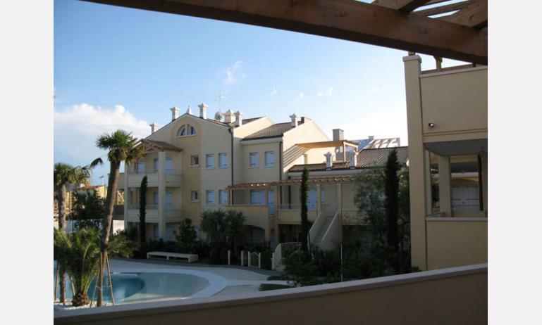 Residence MEDITERRANEE: B4/5 - Balkon Poolblick (Beispiel)