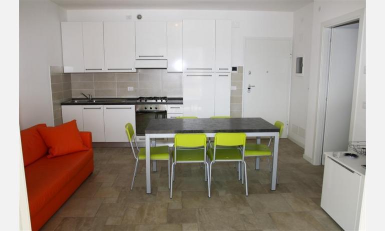 Residence MEDITERRANEE: B4/5 - Wohnzimmer (Beispiel)