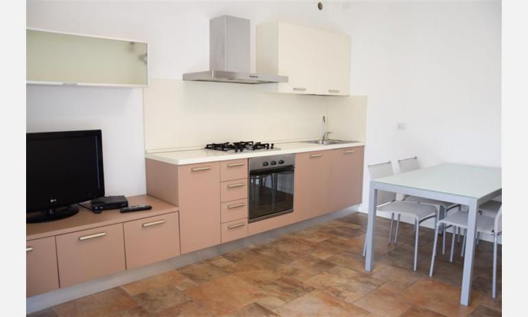 Residence MEDITERRANEE: B4/5 - Kochnische (Beispiel)