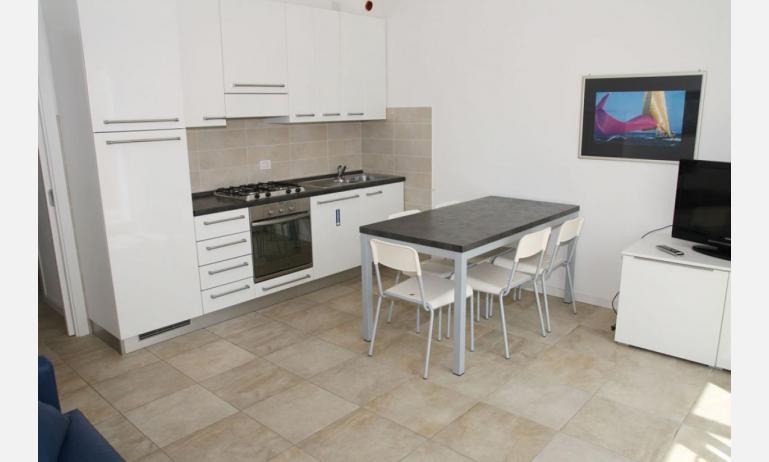 Residence MEDITERRANEE: B4/5 - Küche (Beispiel)