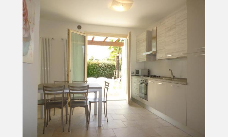 residence LE PALME: D7/X - cucina (esempio)
