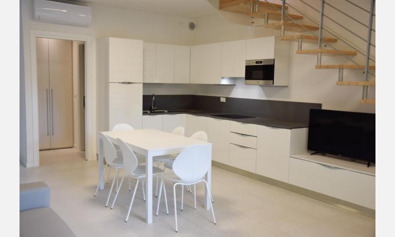 appartamenti Residenza GREEN MARINE: C7 - angolo cottura (esempio)