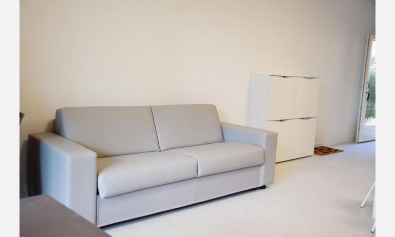 appartamenti Residenza GREEN MARINE: C7 - divano letto doppio (esempio)