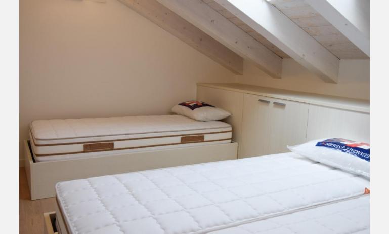 appartamenti Residenza GREEN MARINE: C7 - camera (esempio)