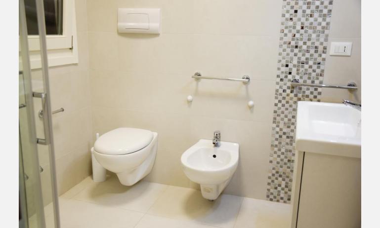 appartamenti Residenza GREEN MARINE: C7 - bagno (esempio)