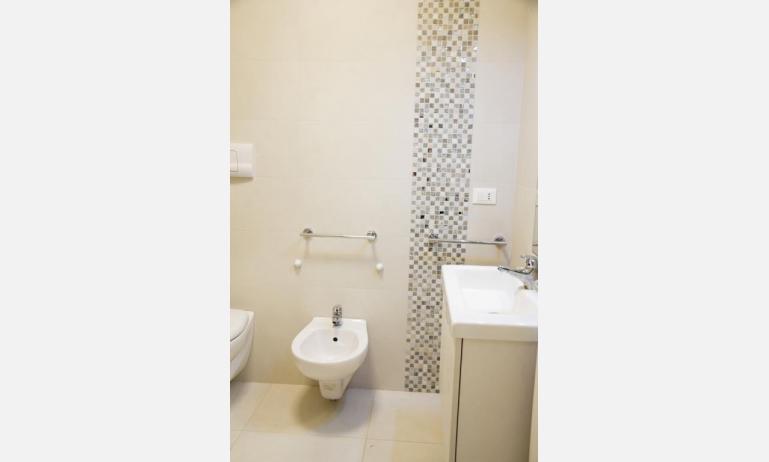 appartamenti Residenza GREEN MARINE: C7/1 - bagno (esempio)