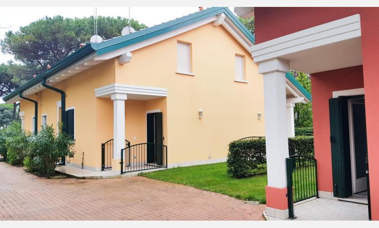appartamenti Residenza GREEN MARINE: C7/1 - esterno villetta (esempio)