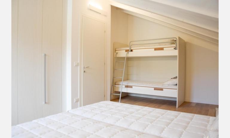 appartamenti Residenza GREEN MARINE: C8 - camera mansardata (esempio)