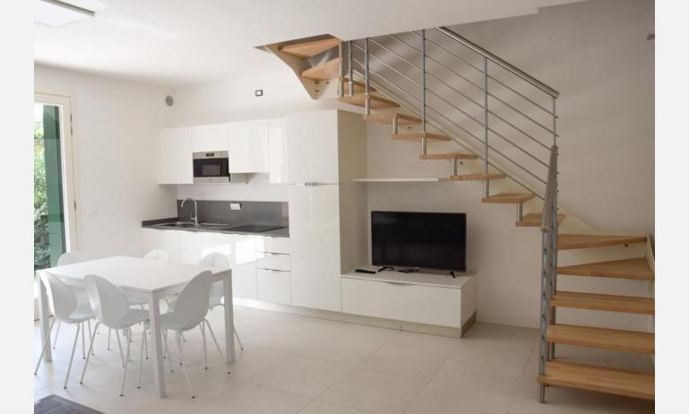 appartamenti Residenza GREEN MARINE: C8 - scala interna (esempio)