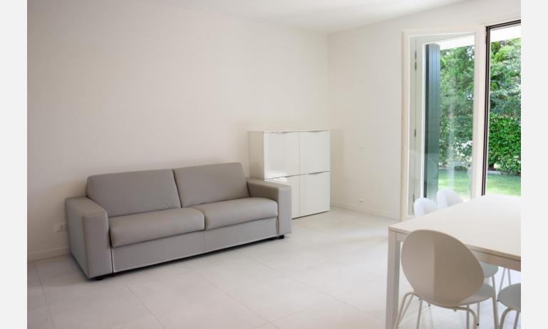 appartamenti Residenza GREEN MARINE: C8 - divano letto doppio (esempio)