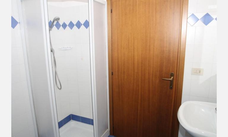 appartamenti VILLA MAZZON: C5 - box doccia