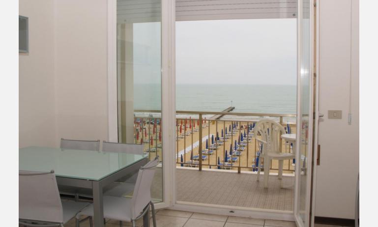 appartamenti VILLA MAZZON: C5 - vista mare (esempio)