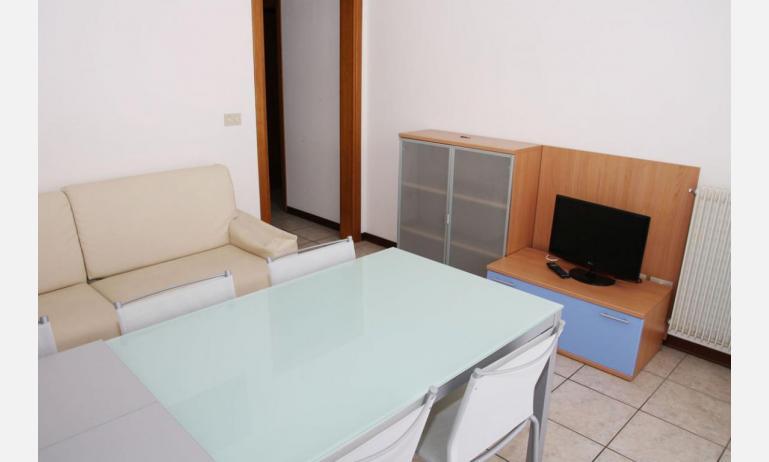 appartamenti VILLA MAZZON: C5 - soggiorno (esempio)