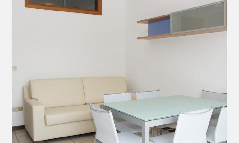 appartamenti VILLA MAZZON: C5T - soggiorno (esempio)