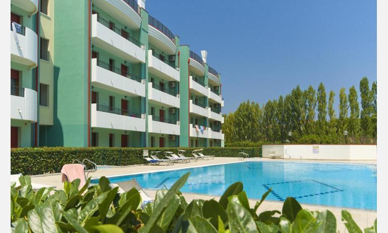 residence ROBERTA: B5 Comfort - esterno con piscina