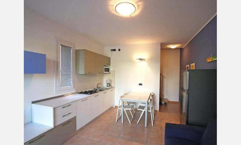 residence LE GINESTRE: B5V - kitchenette (example)