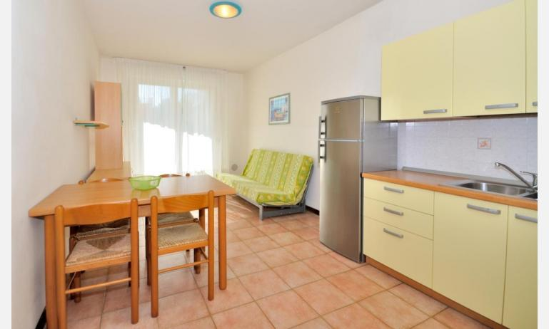 residence LIDO DEL SOLE 1: B5+ - angolo cottura (esempio)