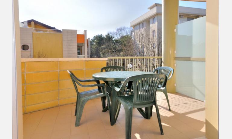 residence LIDO DEL SOLE 1: B5+ - balcone (esempio)