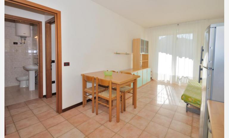 residence LIDO DEL SOLE 1: B5+ - soggiorno (esempio)