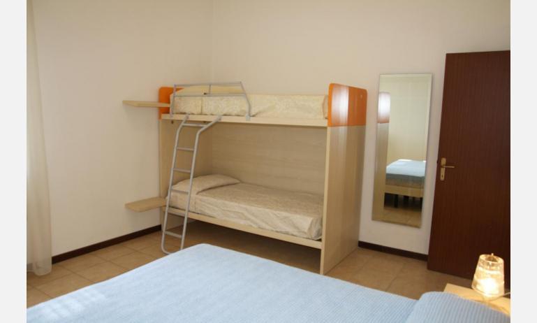 appartamenti JOLLY: B6 - camera (esempio)