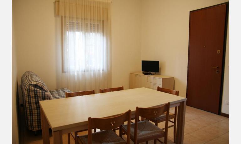 appartamenti JOLLY: B6 - soggiorno (esempio)