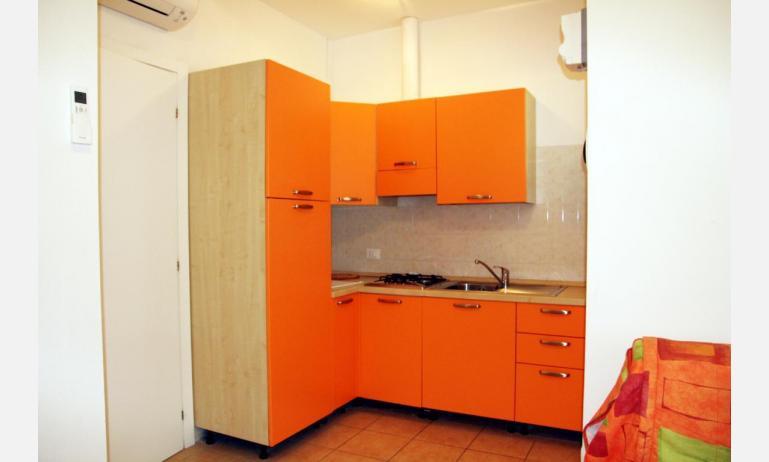 appartamenti JOLLY: C8 - angolo cottura (esempio)