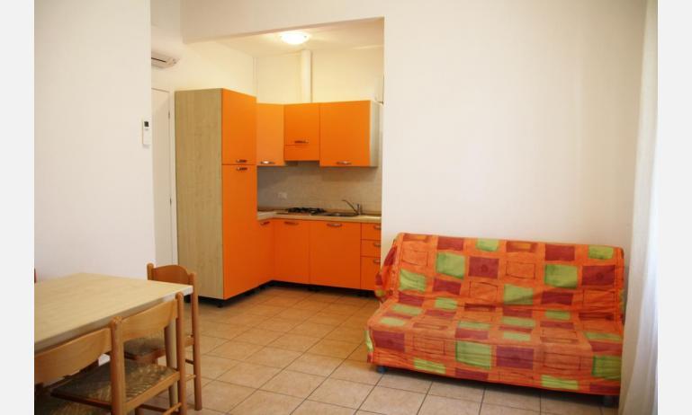 appartamenti JOLLY: C8 - soggiorno (esempio)