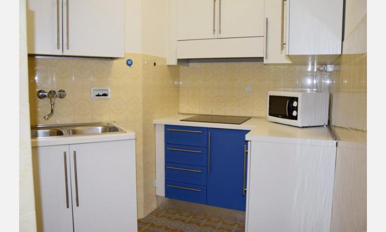 appartamenti VISTAMARE: B5 - angolo cottura (esempio)