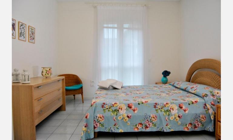 residence TAMERICI: D6 - camera matrimoniale (esempio)