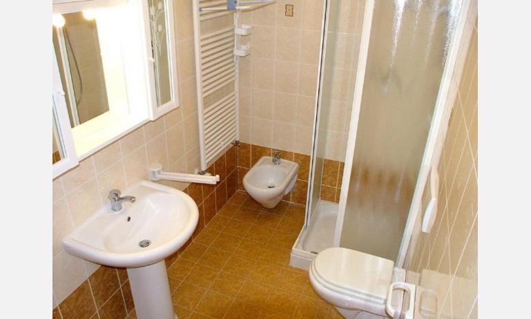 appartamenti CORTE SAN MARCO: B4 - bagno con box doccia (esempio)