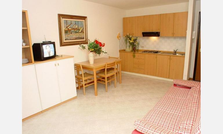 appartamenti SOLE: B4 - angolo cottura (esempio)