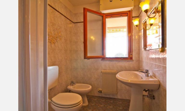 appartamenti SOLE: B4 - bagno (esempio)