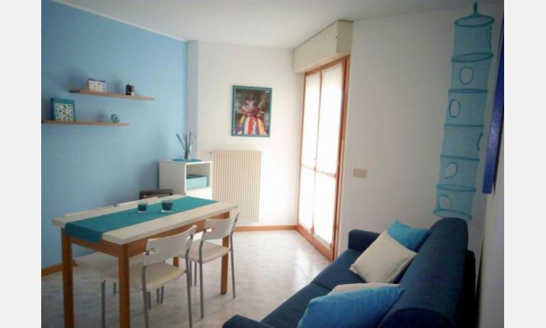 appartamenti SOLE: B4 - soggiorno (esempio)