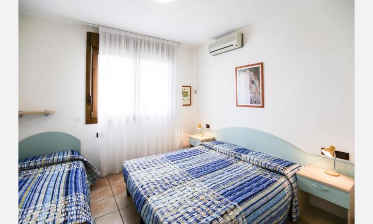 residence GIARDINI DI ALTEA: B5V - bedroom (example)