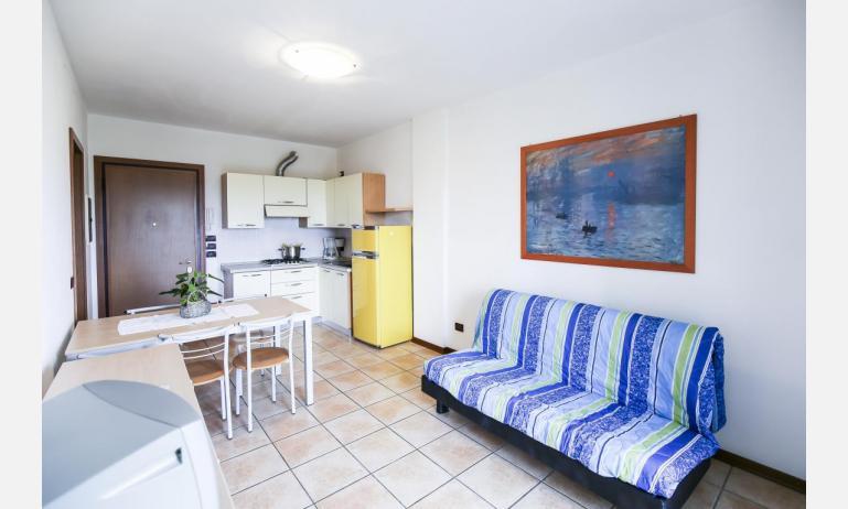 residence GIARDINI DI ALTEA: C7 - nappali (példa)