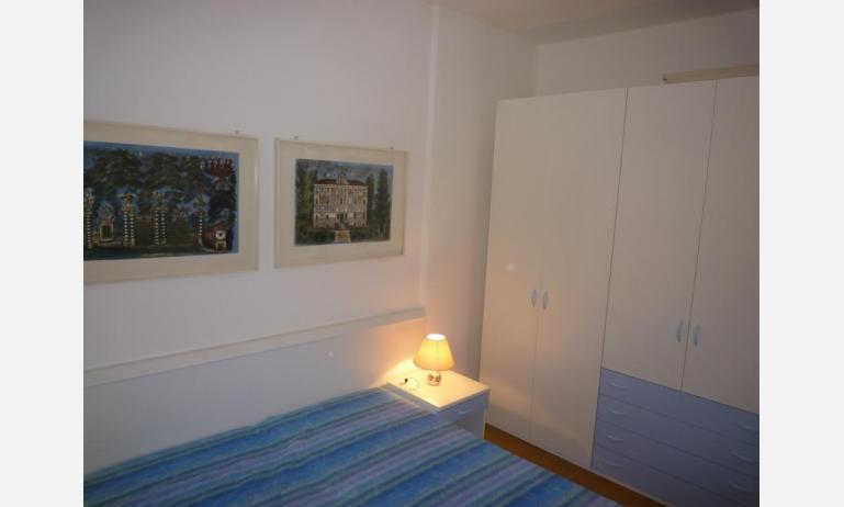residence MEXICO: B5 - armadio (esempio)