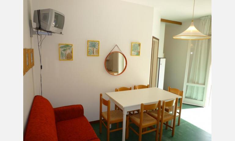appartamenti MINI-JET: B4 - zona giorno