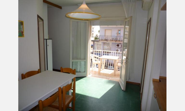 appartamenti MINI-JET: B4 - soggiorno (esempio)