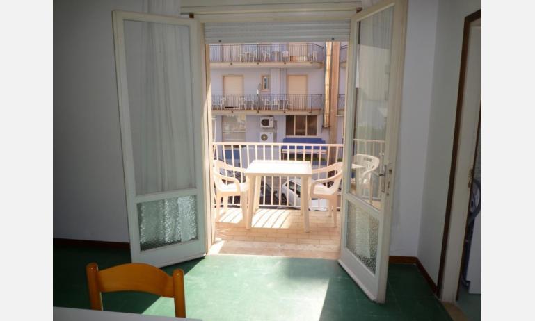 appartamenti MINI-JET: B4 - balcone (esempio)