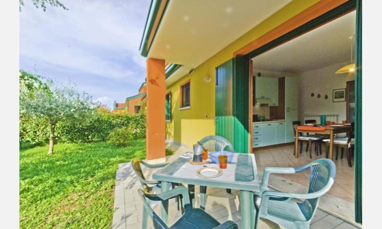 residence VILLAGGIO DEI FIORI: B4 - veranda (esempio)