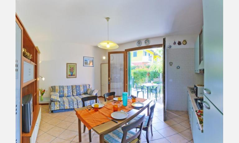 residence VILLAGGIO DEI FIORI: B4 - zona giorno