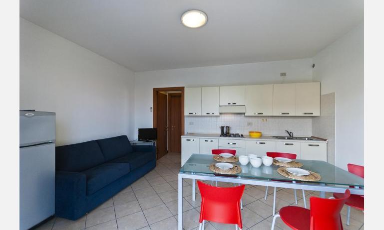 residence VILLAGGIO DEI FIORI: B4 - angolo cottura (esempio)
