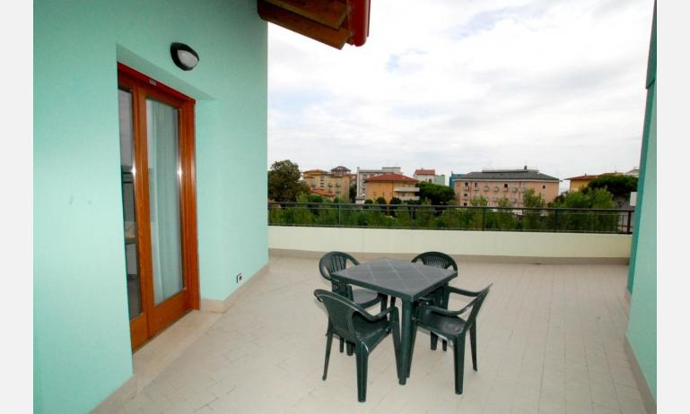 residence ROBERTA: C7 - balcone (esempio)